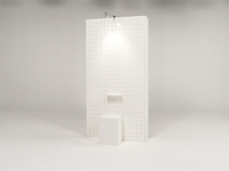 Exhibition panel & free standing presentation wall with 100W exhibitor reflector, plinth & shelf